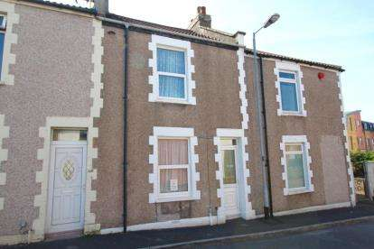 2 Bedrooms Terraced House for sale in Osborne Terrace, Bedminster, Bristol