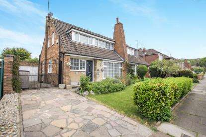 3 Bedrooms Bungalow for sale in Runley Road, Luton, Bedfordshire, .