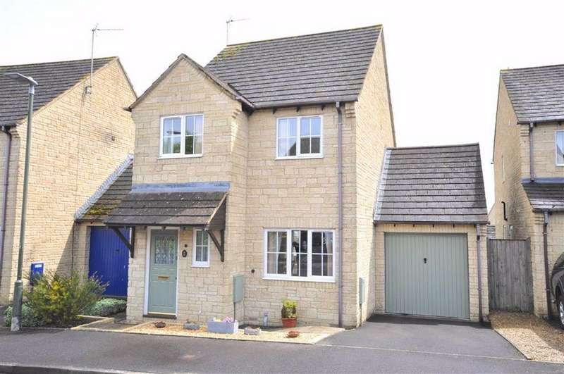 3 Bedrooms Detached House for sale in Geralds Way, Chalford