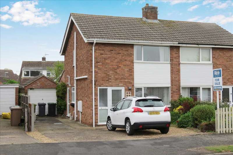 3 Bedrooms Semi Detached House for sale in York Road, Sleaford