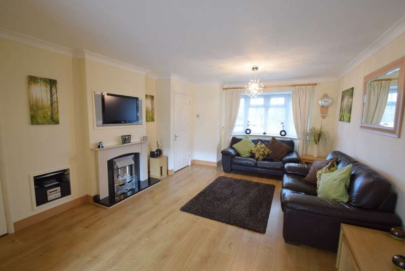 3 Bedrooms Terraced House for sale in Common Road, Eton Wick, SL4