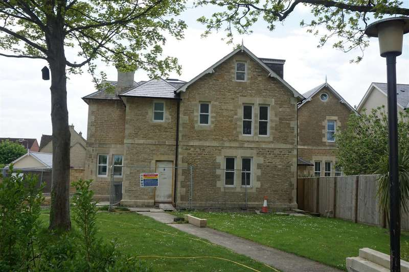 4 Bedrooms End Of Terrace House for sale in Staverton