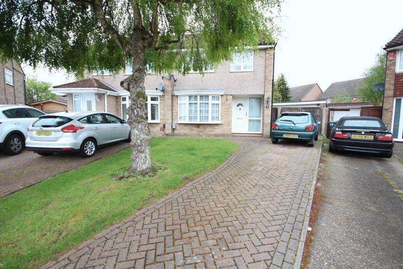 3 Bedrooms Semi Detached House for rent in 3 bed with double garage