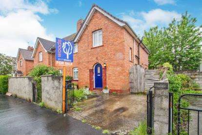 3 Bedrooms Semi Detached House for sale in Charfield Road, Southmead, Bristol