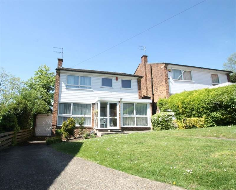 4 Bedrooms Detached House for sale in Gallus Close, N21