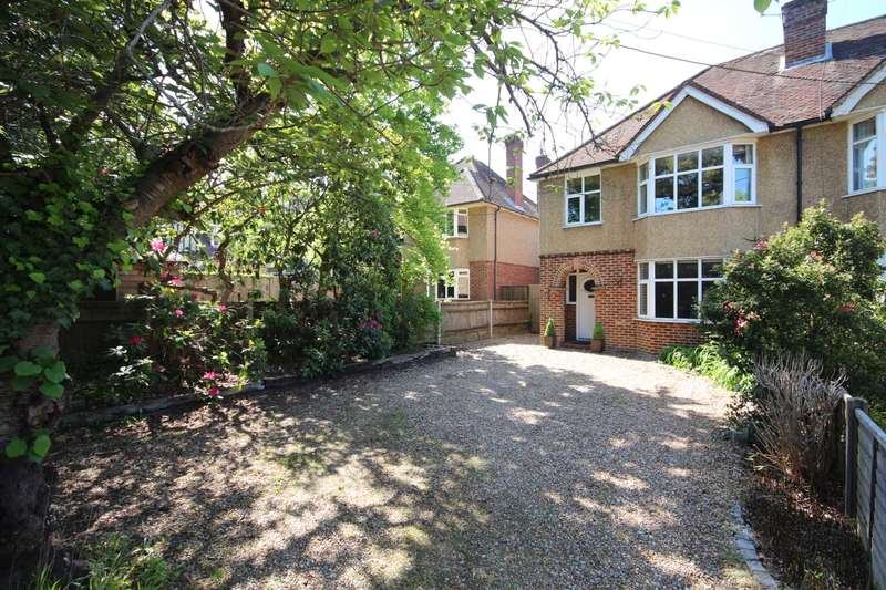 3 Bedrooms Semi Detached House for sale in London Road, Bracknell