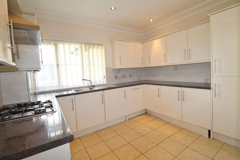 2 Bedrooms Flat for sale in Clevedon Road, Newport, NEWPORT, NP19