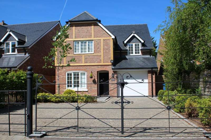 4 Bedrooms Detached House for sale in Burchetts Green Road, Burchetts Green