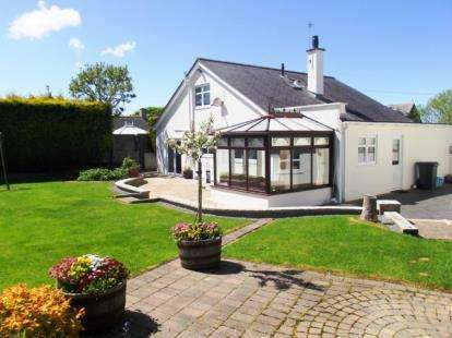 4 Bedrooms Detached House for sale in Church Street, Bodedern, Holyhead, Sir Ynys Mon, LL65