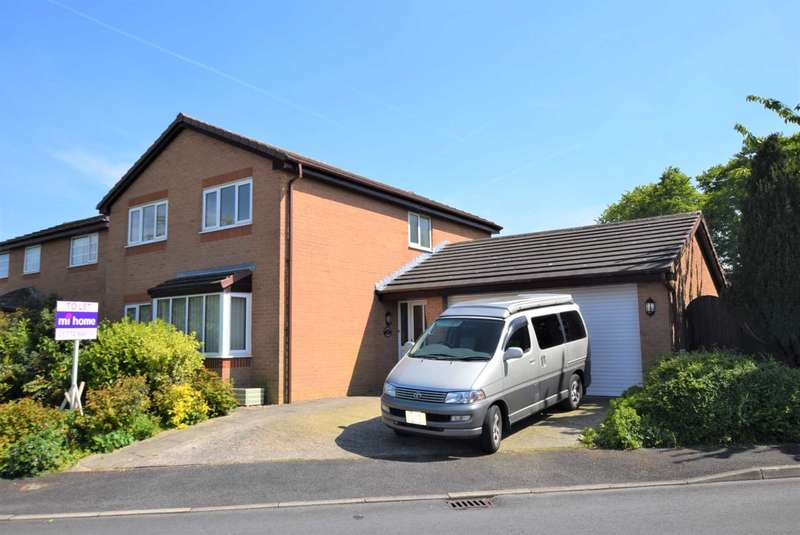 4 Bedrooms Detached House for rent in Blenheim Avenue, Kirkham