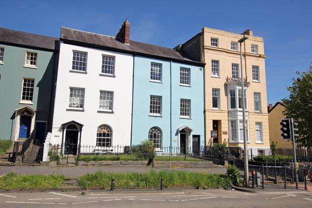 4 Bedrooms Terraced House for sale in Picton Terrace, Carmarthen, Carmarthenshire