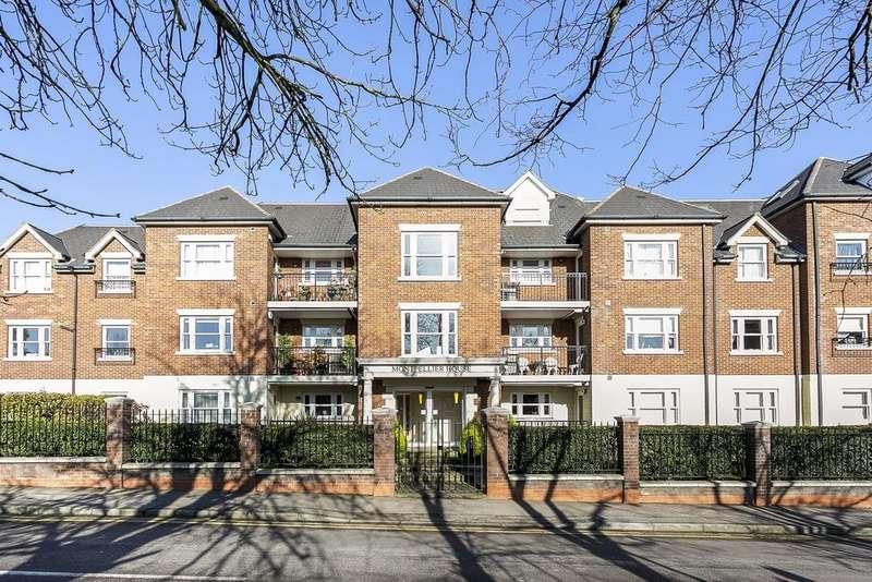 3 Bedrooms Apartment Flat for sale in Manor Road, Chigwell, IG7