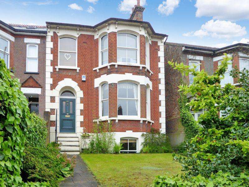 3 Bedrooms Semi Detached House for sale in West Street, Dunstable