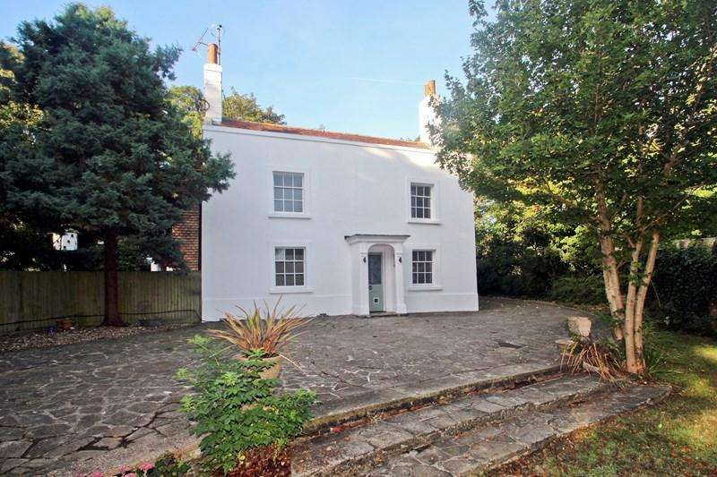 4 Bedrooms Semi Detached House for sale in Church Hill, Newhaven, East Sussex, BN9