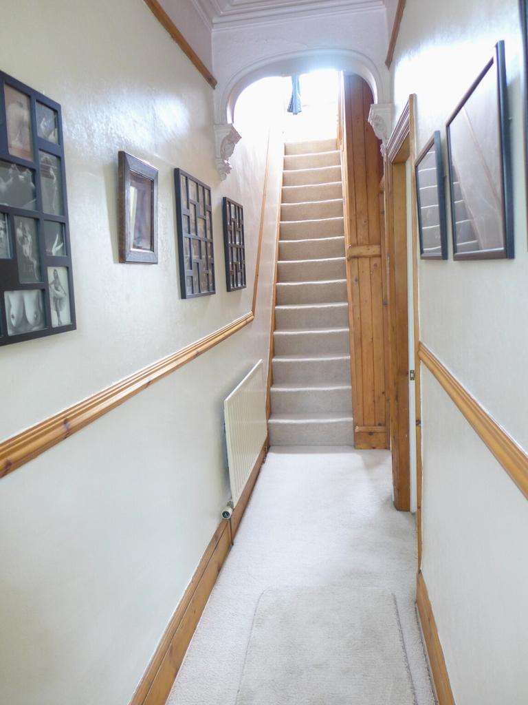 3 Bedrooms Terraced House for sale in Ferney Lee Road Todmorden