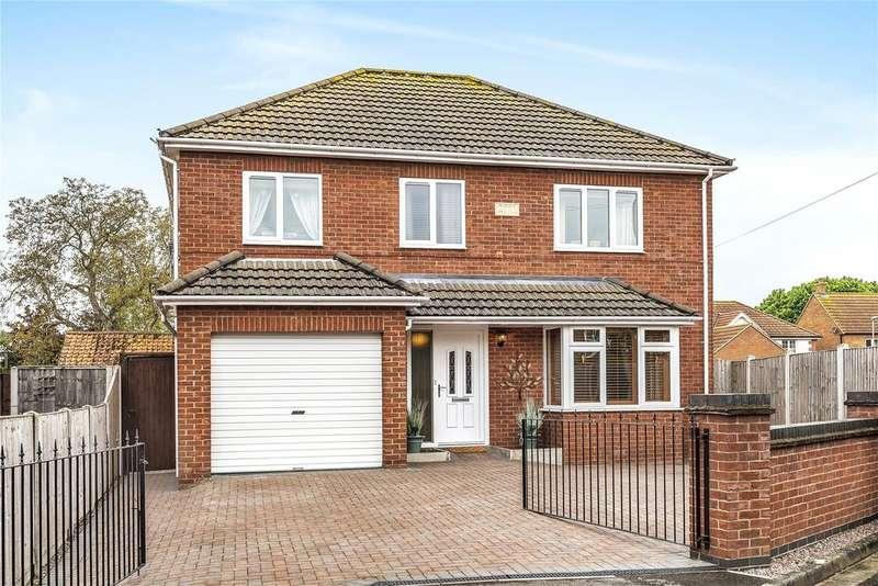 4 Bedrooms Detached House for sale in Berkeley Avenue, North Hykeham, LN6