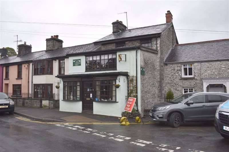 4 Bedrooms Restaurant Commercial for sale in Chapel Street, Tregaron