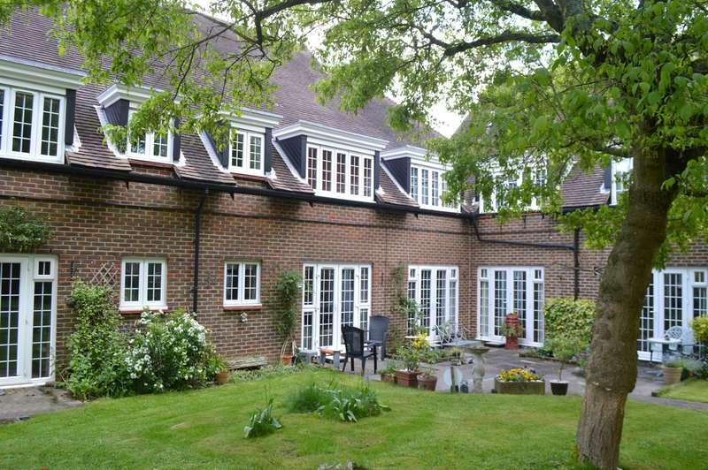 1 Bedroom Retirement Property for sale in Barnside Court, Welwyn Garden City, AL8