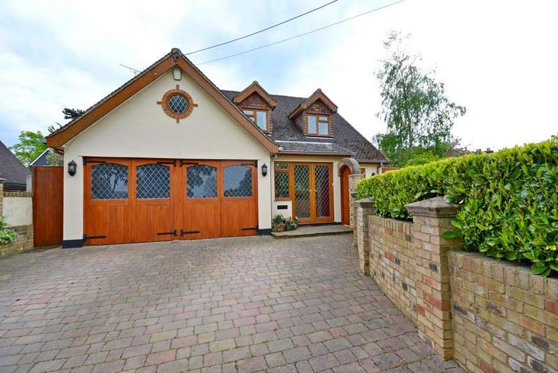 3 Bedrooms Chalet House for sale in Back Road, Writtle, Chelmsford, Essex, CM1