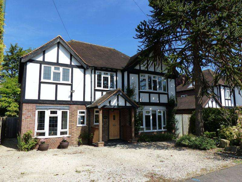 5 Bedrooms Detached House for sale in Cookham Village - Beautiful detached family home