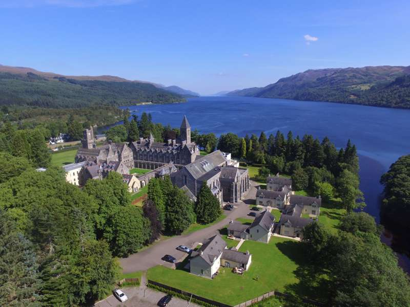 4 Bedrooms Apartment Flat for sale in The Highland Club, St. Benedicts Abbey, Fort Augustus, PH32 4DE