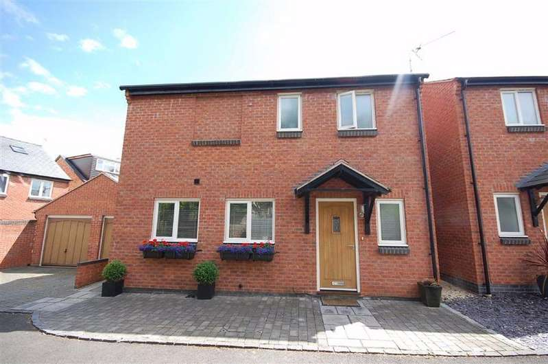 3 Bedrooms Detached House for sale in Cirencester Road, Charlton Kings, Cheltenham, GL53