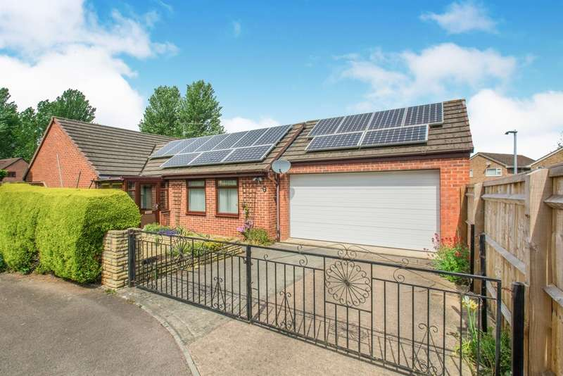 3 Bedrooms Detached Bungalow for sale in Mary De Bohun Close, Monmouth