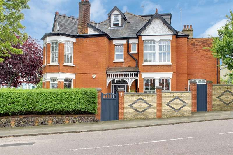 6 Bedrooms End Of Terrace House for sale in Cranbourne Road, Muswell Hill, London
