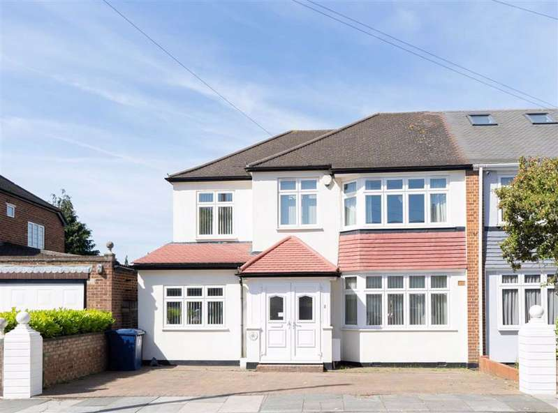 5 Bedrooms Semi Detached House for sale in Sherborne Avenue, Southall, Middlesex