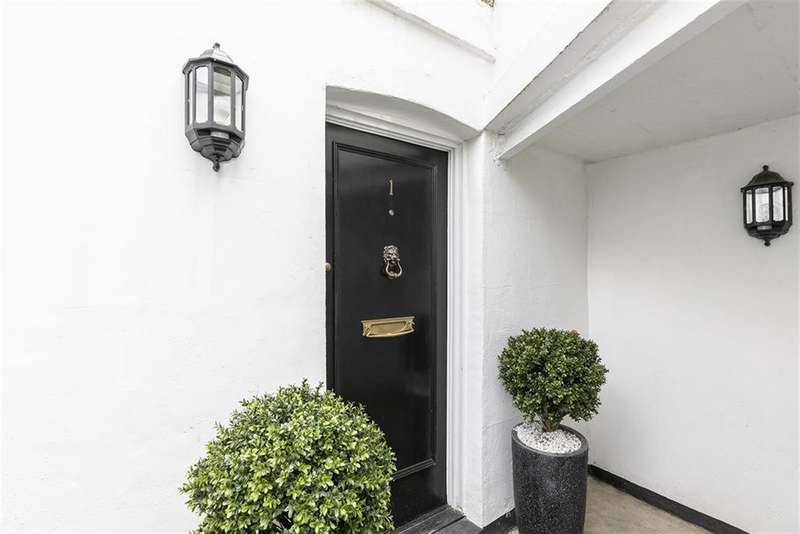 2 Bedrooms Maisonette Flat for sale in Albion Road, London, N16 9JR
