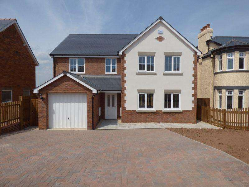 4 Bedrooms Detached House for sale in Woodville Road, Cinderford