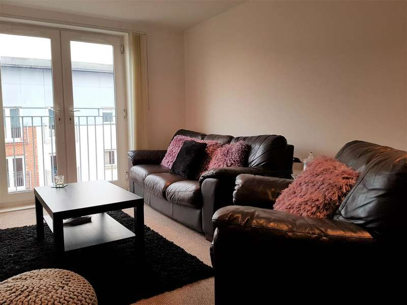 2 Bedrooms Apartment Flat for sale in Gilbert House, 2 Elmira Way, Salford Quays