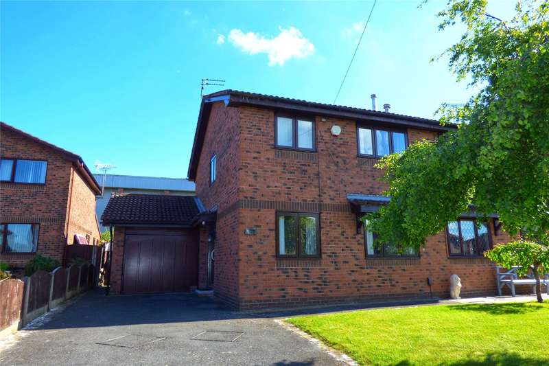 2 Bedrooms Semi Detached House for sale in Clemshaw Close, Heywood, Greater Manchester, OL10