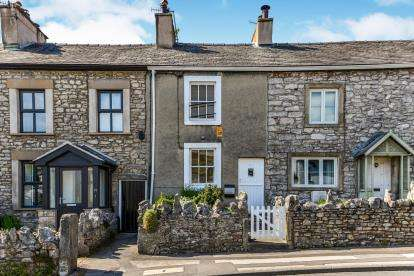 2 Bedrooms Terraced House for sale in Main Street, Warton, Carnforth, Lancashire, LA5