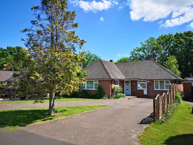 3 Bedrooms Bungalow for sale in Mill Vale Meadows, Milland, Liphook