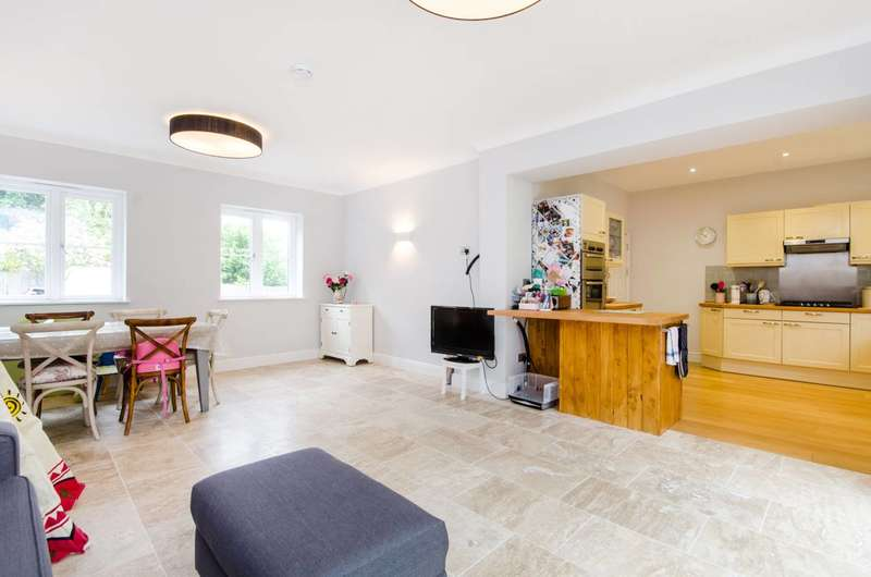 6 Bedrooms House for rent in Arthur Road, Wimbledon, SW19