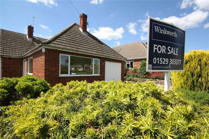 3 Bedrooms Detached House for sale in St Andrews Crescent, Leasingham, Sleaford, Lincolnshire, NG34