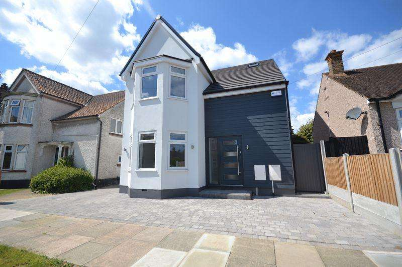 4 Bedrooms Detached House for sale in Caldwell Road, Stanford-Le-Hope