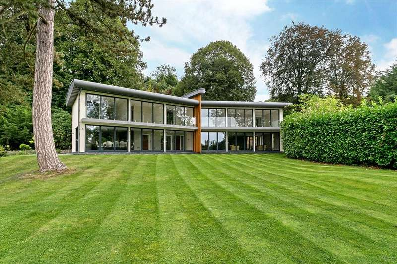 5 Bedrooms Detached House for sale in Stonehouse Lane, Cookham, Maidenhead, SL6
