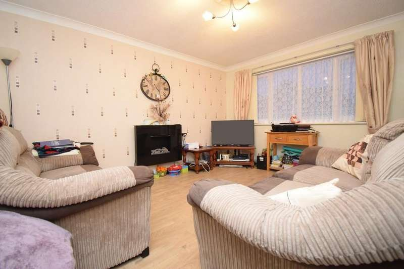 2 Bedrooms Detached Bungalow for sale in Hardie Crescent, Braunstone