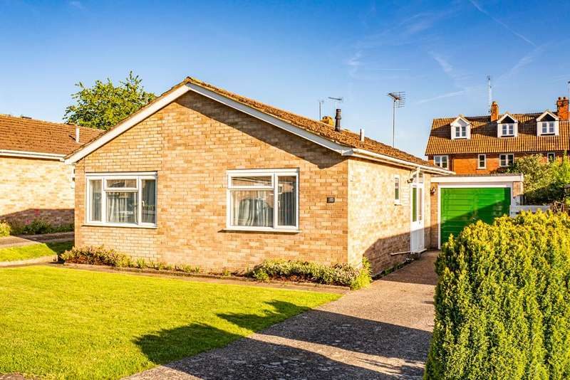 2 Bedrooms Bungalow for sale in 10 Lockstile Way, Goring on Thames, RG8