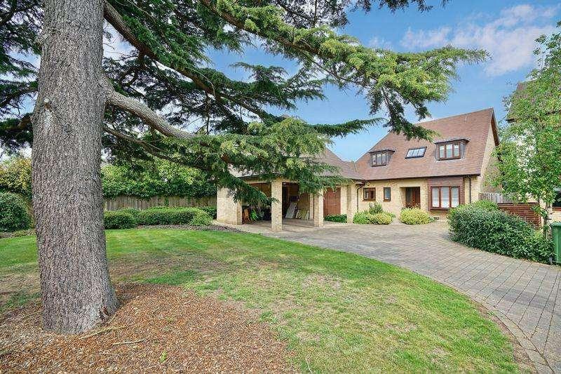 4 Bedrooms Detached House for sale in Garner Close, Brampton