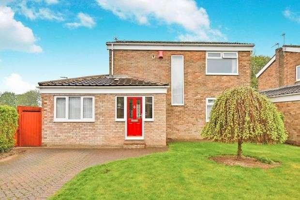 4 Bedrooms Property for sale in Girton Close, Peterlee, Peterlee, Durham, SR8 2NF