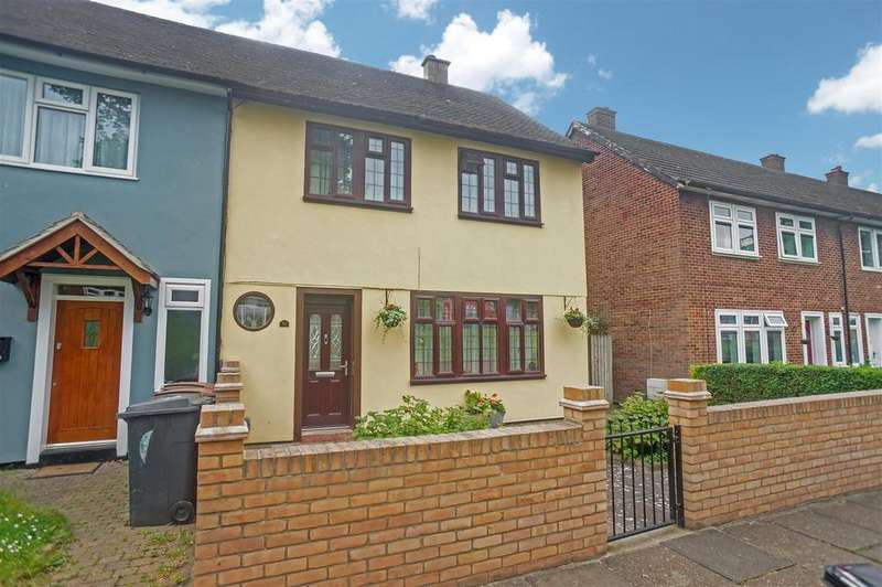 3 Bedrooms Semi Detached House for sale in Weale Road, London