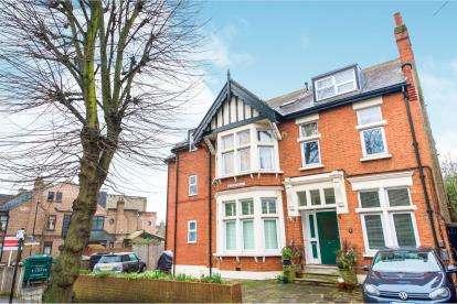 1 Bedroom Flat for sale in 25 Bushwood, Leytonstone, London