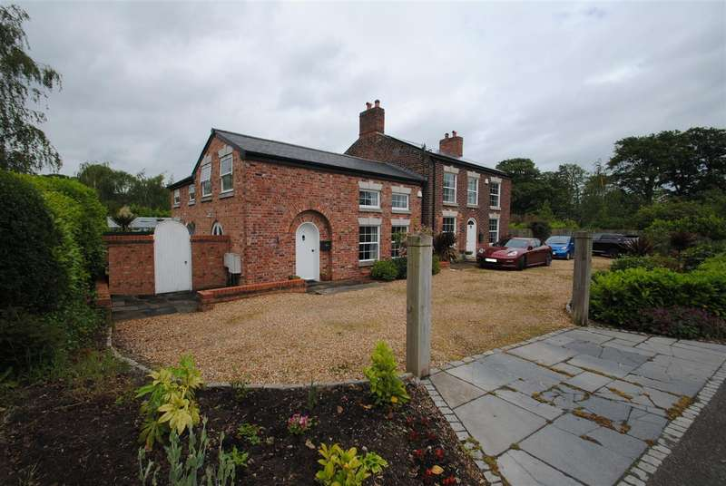 3 Bedrooms Cottage House for rent in Massey Hall Cottage, Weaste Lane, THELWALL, Warrington, WA4