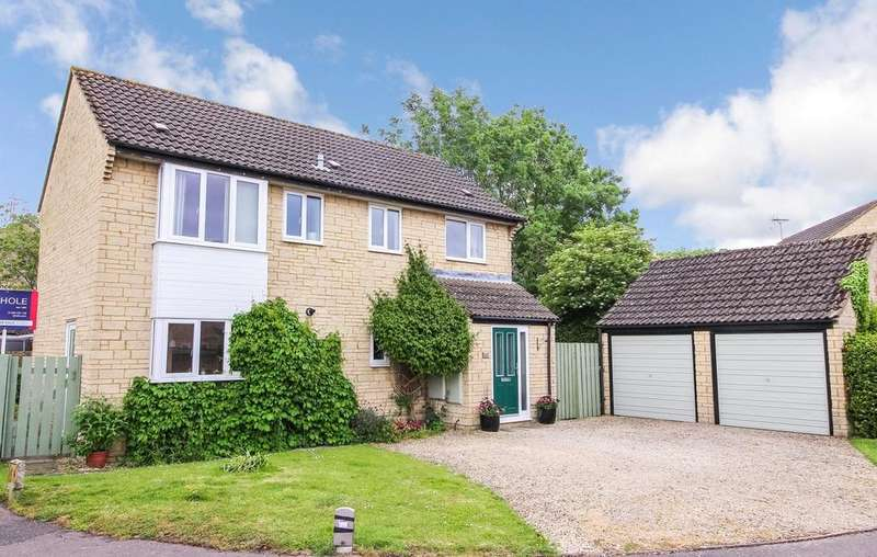 4 Bedrooms Detached House for sale in Partridge Way, Cirencester, GL7