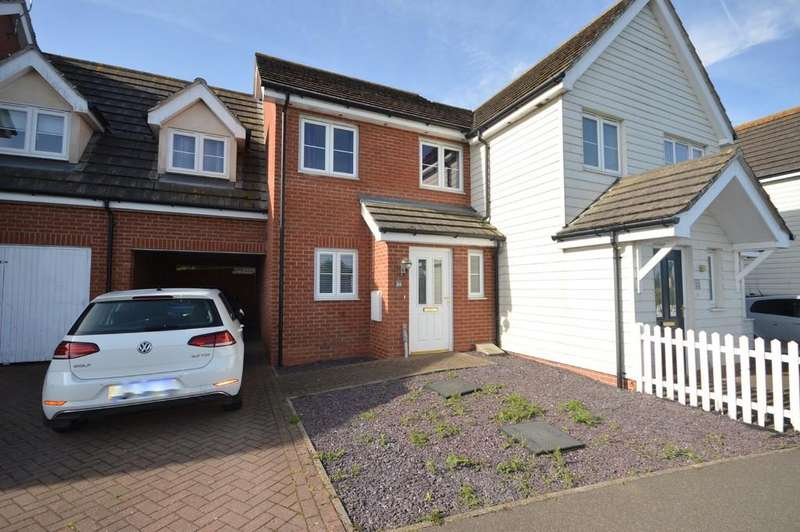 3 Bedrooms Semi Detached House for sale in Williamsburg Avenue, Dovercourt