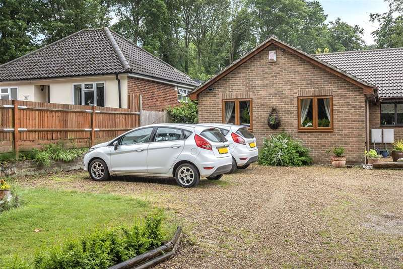 2 Bedrooms Bungalow for sale in Pinewood Avenue, Crowthorne