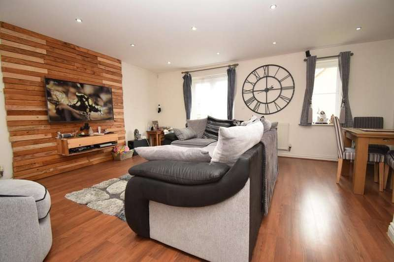 4 Bedrooms End Of Terrace House for sale in Brompton Road, Hamilton, Leicester